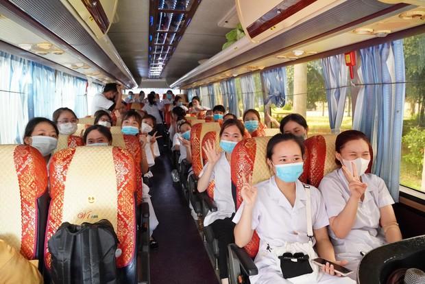267 sinh viên trường Đại học Kỹ thuật Y tế Hải Dương lên đường chi viện Bắc Giang, Bắc Ninh - Ảnh 7.