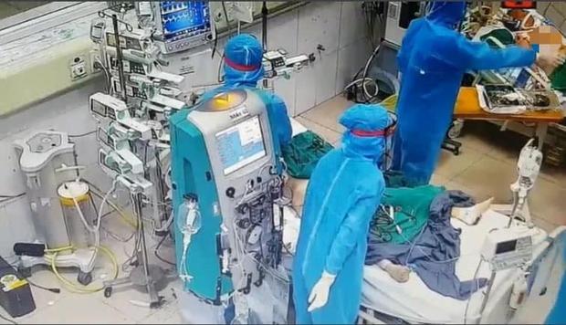 Bác sĩ BV Bệnh Nhiệt đới TW trong đợt dịch khắc nghiệt nhất: Nếu hỏi chúng tôi có mệt không, đúng là mệt, nhưng không vì thế mà chùn bước - Ảnh 2.
