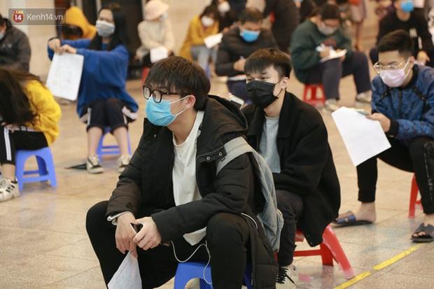 Dịch Covid-19 diễn biến phức tạp, Bắc Giang hoả tốc cho học sinh lớp 12 học trực tuyến từ ngày mai 17/5 - Ảnh 1.