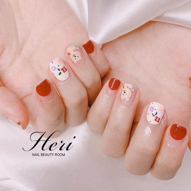 Người chơi hệ sành là phải diện nail hoa cho mùa hè và đây là 10 mẫu đẹp nhất tại các tiệm hot hit - Ảnh 11.