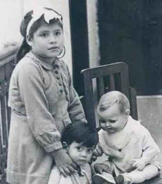 Chuyện kỳ lạ về bà mẹ trẻ nhất thế giới: Bé gái mang thai khi mới 5 tuổi rồi làm chị gái của con và bí mật giấu kín về cha ruột đứa trẻ - Ảnh 4.