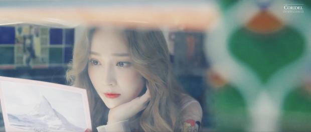Sự nghiệp ca hát của Jessica bỗng lặn mất tăm sau 5 năm, có phải do SM nhúng tay vào? - Ảnh 6.