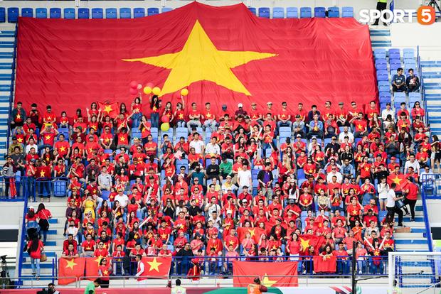 Người Việt ở Dubai: Tuyển Việt Nam không nên xem thường nắng nóng ở UAE - Ảnh 1.