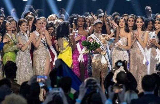 Miss Universe đang là tâm điểm chú ý của cả thế giới, video đêm thi Bán kết lọt top Trending YouTube, hút 4,3 triệu lượt xem - Ảnh 1.