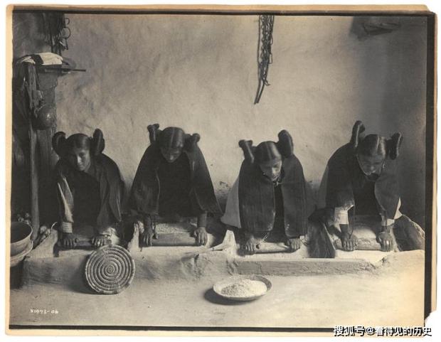 Những bức ảnh quý hiếm 100 năm trước về thổ dân da đỏ - chủ nhân thực sự của lục địa Bắc Mỹ - Ảnh 2.