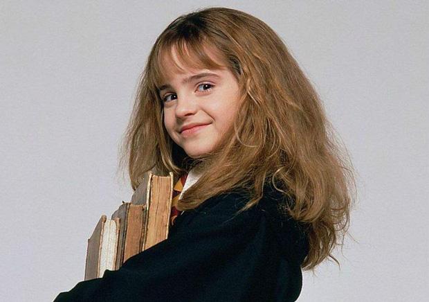 Emma Watson để lại tóc ngắn màu nâu y hệt Hermione ngày xưa, nhưng sao nhan sắc tuột dốc quá thế này - Ảnh 9.