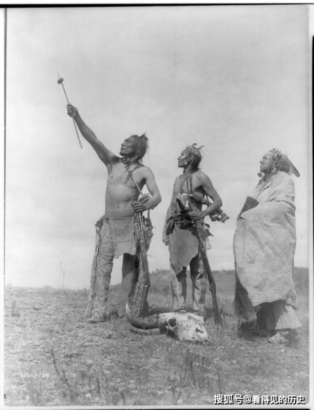 Những bức ảnh quý hiếm 100 năm trước về thổ dân da đỏ - chủ nhân thực sự của lục địa Bắc Mỹ - Ảnh 12.