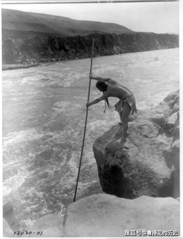 Những bức ảnh quý hiếm 100 năm trước về thổ dân da đỏ - chủ nhân thực sự của lục địa Bắc Mỹ - Ảnh 15.