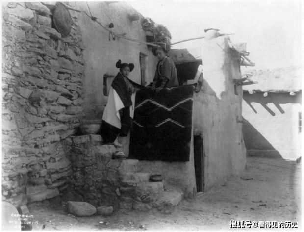 Những bức ảnh quý hiếm 100 năm trước về thổ dân da đỏ - chủ nhân thực sự của lục địa Bắc Mỹ - Ảnh 18.
