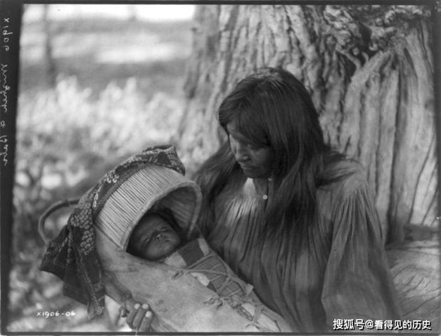 Những bức ảnh quý hiếm 100 năm trước về thổ dân da đỏ - chủ nhân thực sự của lục địa Bắc Mỹ - Ảnh 8.