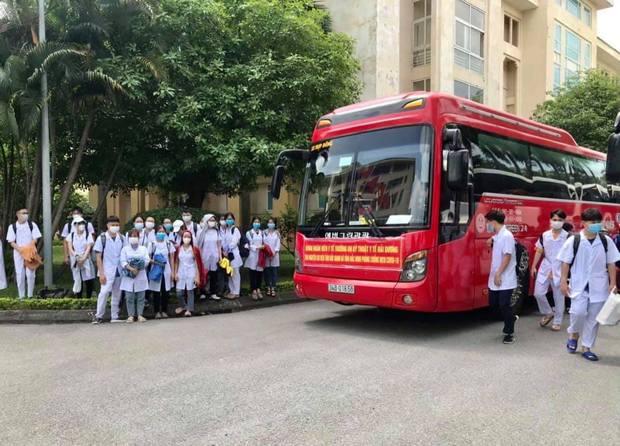 267 sinh viên trường Đại học Kỹ thuật Y tế Hải Dương lên đường chi viện Bắc Giang, Bắc Ninh - Ảnh 6.