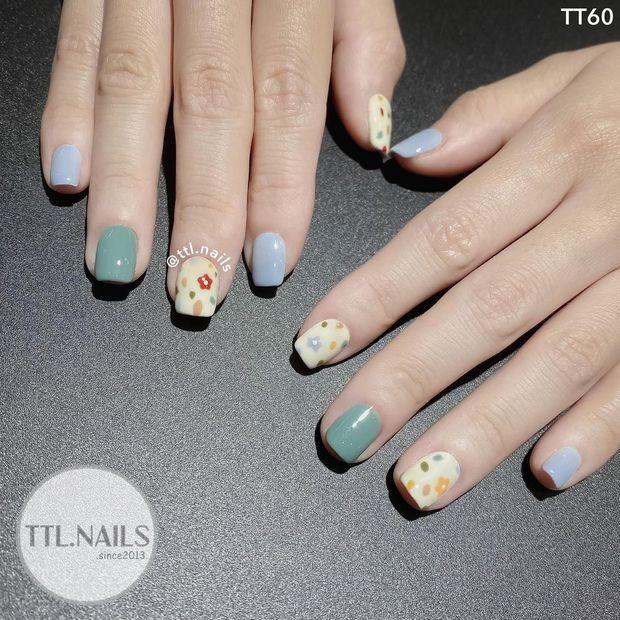 Người chơi hệ sành là phải diện nail hoa cho mùa hè và đây là 10 mẫu đẹp nhất tại các tiệm hot hit - Ảnh 13.