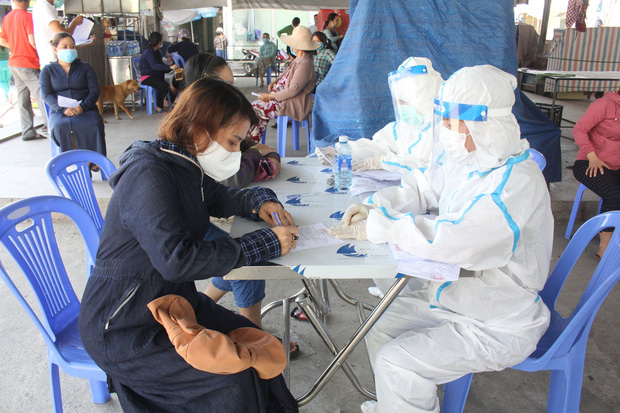 Chủ quán cơm gà mắc Covid-19 chưa rõ nguồn lây ở Đà Nẵng từng tiếp xúc với rất nhiều người ở chợ - Ảnh 2.