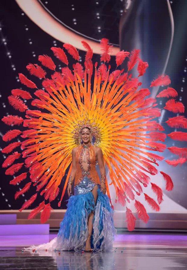 1001 drama như cung đấu ở Miss Universe 2020: Miss Thái mưu mô, Khánh Vân nằm không dính đạn, Hoa hậu dính phốt sau 2 tiếng đăng quang - Ảnh 17.