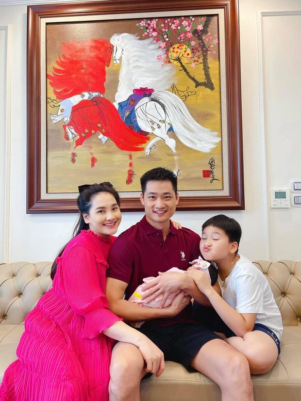 Bảo Thanh lần đầu khoe nhan sắc mẹ bỉm sau 4 ngày sinh nở, hé lộ luôn thông tin đặc biệt của ái nữa - Ảnh 2.
