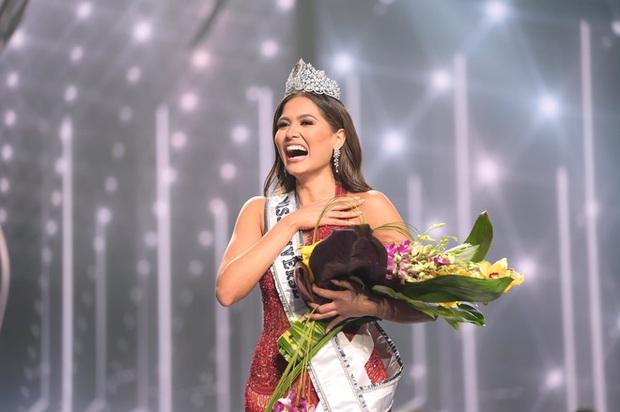 Khánh Vân ghi trọn điểm 10 dù dừng chân ở Top 21, H'Hen Niê cũng được khen vì có hành động đẹp với tân Hoa hậu - Ảnh 4.
