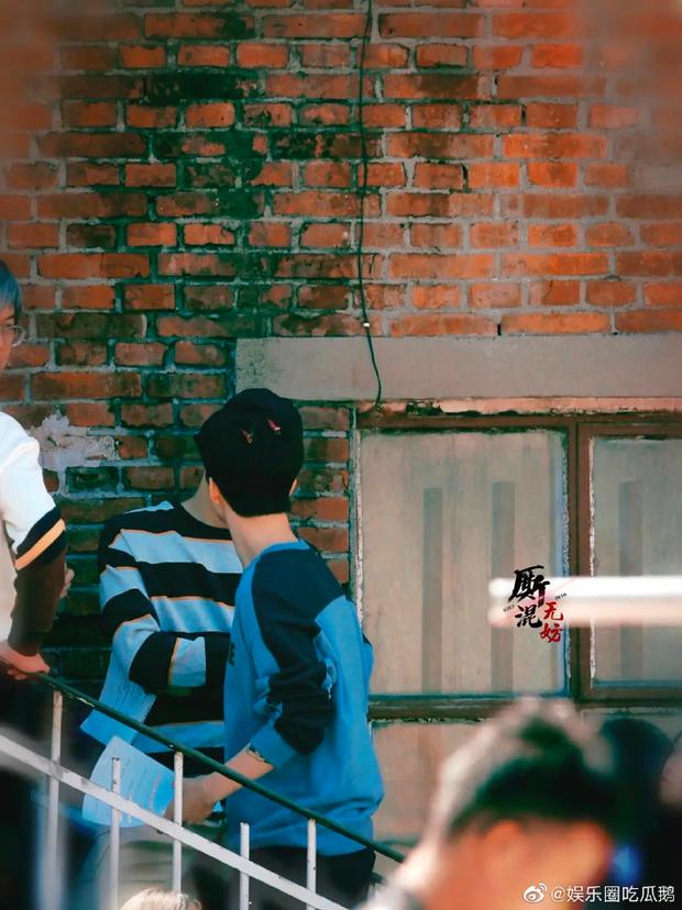 Em trai Phạm Băng Băng khoe da trắng mịn không tì vết, còn nhìn si mê bạn diễn nam ở đam mỹ Vai Trái Có Cậu - Ảnh 10.