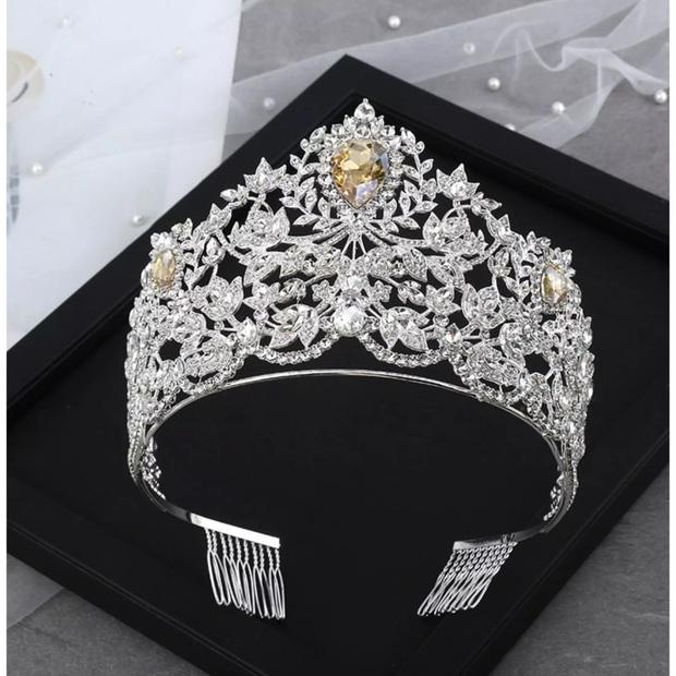 Thi Miss Universe làm gì cho mệt khi bạn có thể lên Lazada và trở thành Hoa hậu? - Ảnh 3.