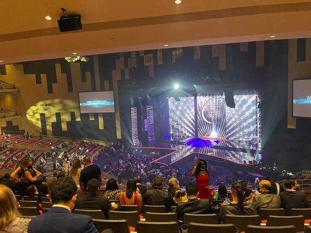 CEO tháp tùng Khánh Vân tại Miss Universe 2020 lại xuất hiện cực bảnh, khiến hội mê trai đứng ngồi không yên - Ảnh 3.