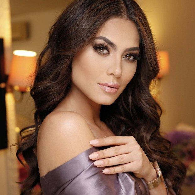 Tân Miss Universe 2020: Nàng kỹ sư máy tính với nhan sắc và body nức nở, quá khứ mất tích khó hiểu bất ngờ bị đào lại - Ảnh 3.