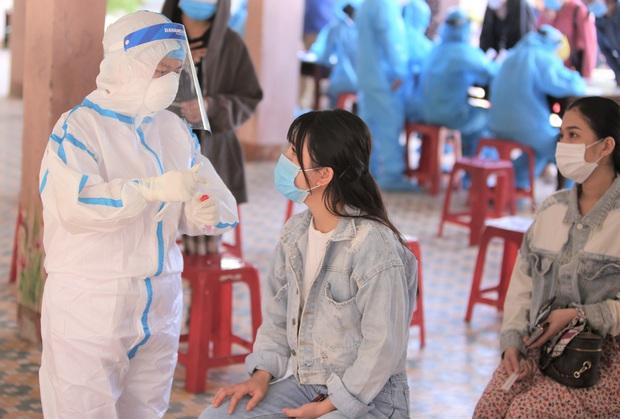 Trước khi có kết quả dương tính SARS-CoV-2, cô gái ở Đà Nẵng từng tổ chức đám cưới, đi nhiều nơi - Ảnh 1.