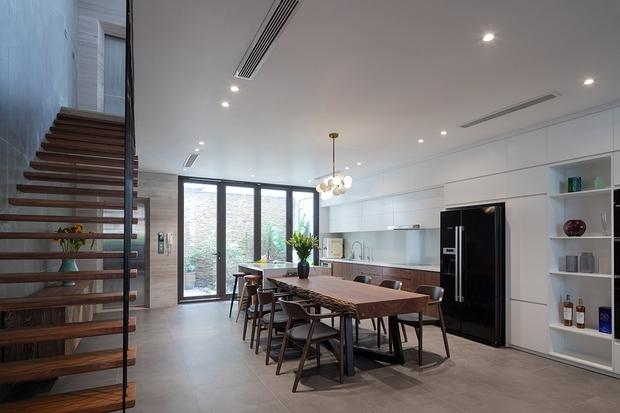 Vợ chồng xây nhà 6 tỷ với mặt tiền chất nhất dãy phố, KTS khuyên: Đừng biến không gian sống thành siêu thị đồ nội thất - Ảnh 11.