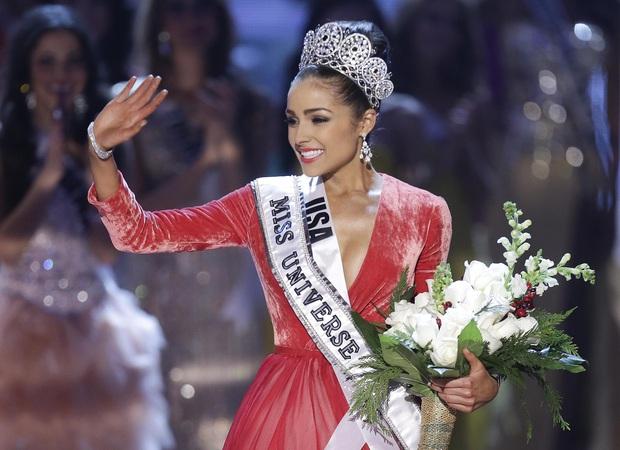 Hot nhất đêm Chung kết Miss Universe là biểu cảm khó ở của Hoa hậu Hoàn vũ 2012 khi đại diện Mexico chiến thắng - Ảnh 14.