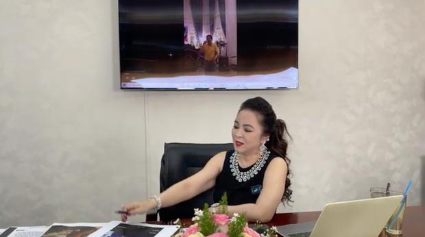 BẤT NGỜ: Bà Phương Hằng đột nhiên tâm sự về người thân duy nhất đang phụng dưỡng, chuyển tiền đều đặn mỗi tháng và vạch mặt hội 22 người bạn thân từng phản bội mình - Ảnh 2.