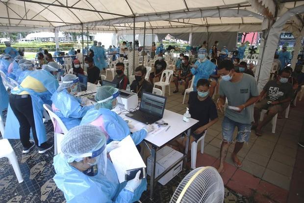 Hơn 163,6 triệu người mắc COVID-19 trên thế giới, nhiều nước Đông Nam Á có số ca nhiễm mới giảm - Ảnh 2.