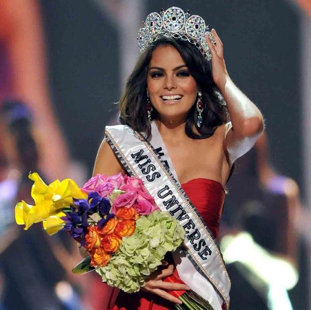Rùng mình điềm báo đăng quang: 3 đời Hoa hậu Mexico chiến thắng vương miện Miss Universe đều mặc váy có chi tiết này - Ảnh 7.