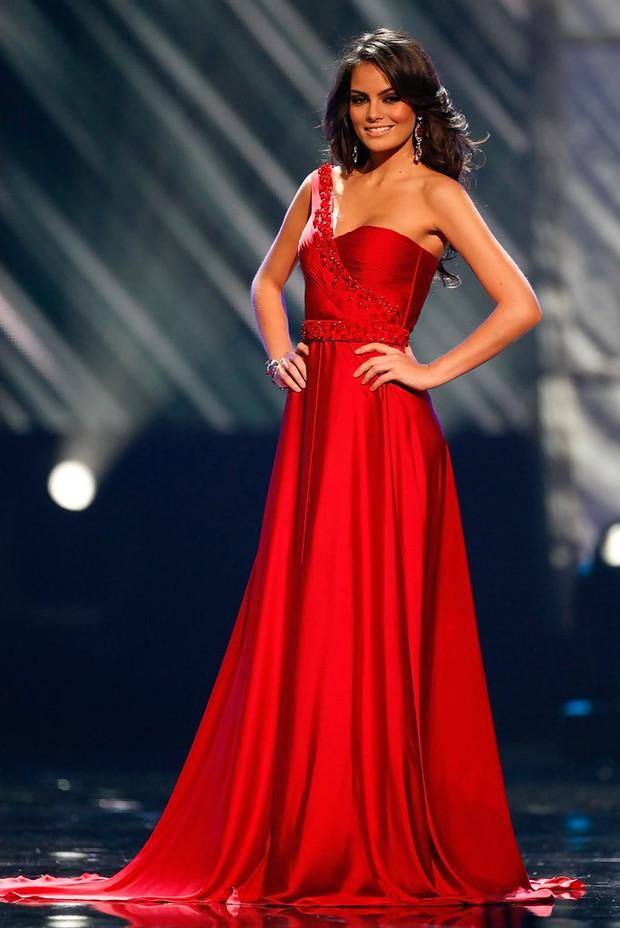 Rùng mình điềm báo đăng quang: 3 đời Hoa hậu Mexico chiến thắng vương miện Miss Universe đều mặc váy có chi tiết này - Ảnh 8.