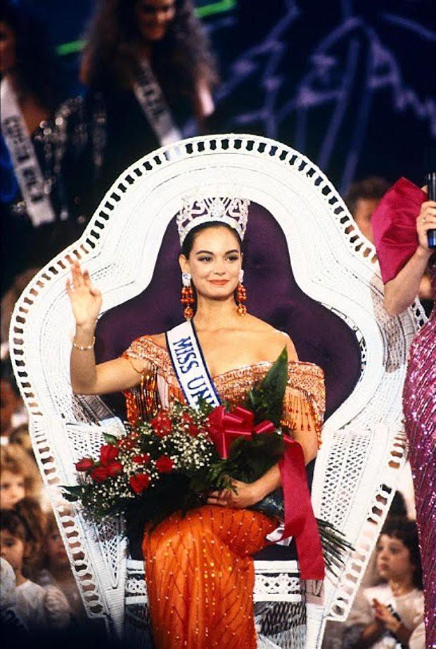 Rùng mình điềm báo đăng quang: 3 đời Hoa hậu Mexico chiến thắng vương miện Miss Universe đều mặc váy có chi tiết này - Ảnh 10.