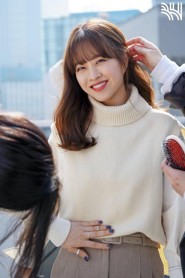 Hàn Park Bo Young - Trung Đàm Tùng Vận, hai chị đẹp này tính trẻ vĩnh viễn trên màn ảnh hay sao? - Ảnh 9.