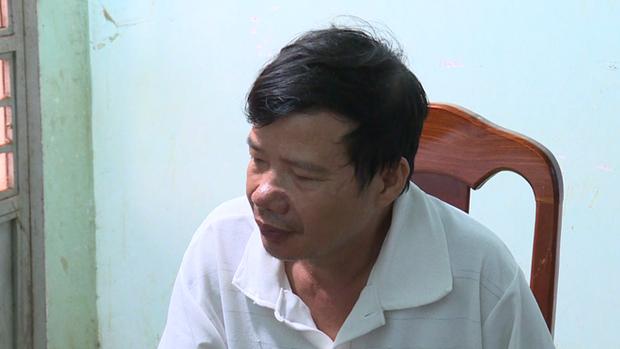 Khởi tố người đàn ông trút mưa dao vào gái bán dâm vì nghi bị nhiễm HIV - Ảnh 1.