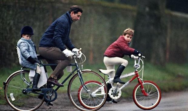 Chỉ trích cha đẻ về cách dạy dỗ con cái, Harry xấu hổ khi bị tung ảnh thời thơ ấu, lật tẩy lời nói dối trắng trợn - Ảnh 3.