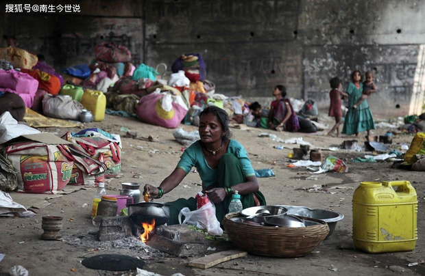 COVID-19 khiến thế giới có thêm 120 triệu người nghèo, trong đó có 75 triệu người Ấn Độ - Ảnh 3.