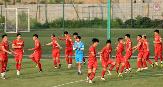 HLV Park dặn kỹ tuyển Việt Nam không vào bóng nguy hiểm gây chấn thương cho đồng đội khi tập luyện - Ảnh 3.