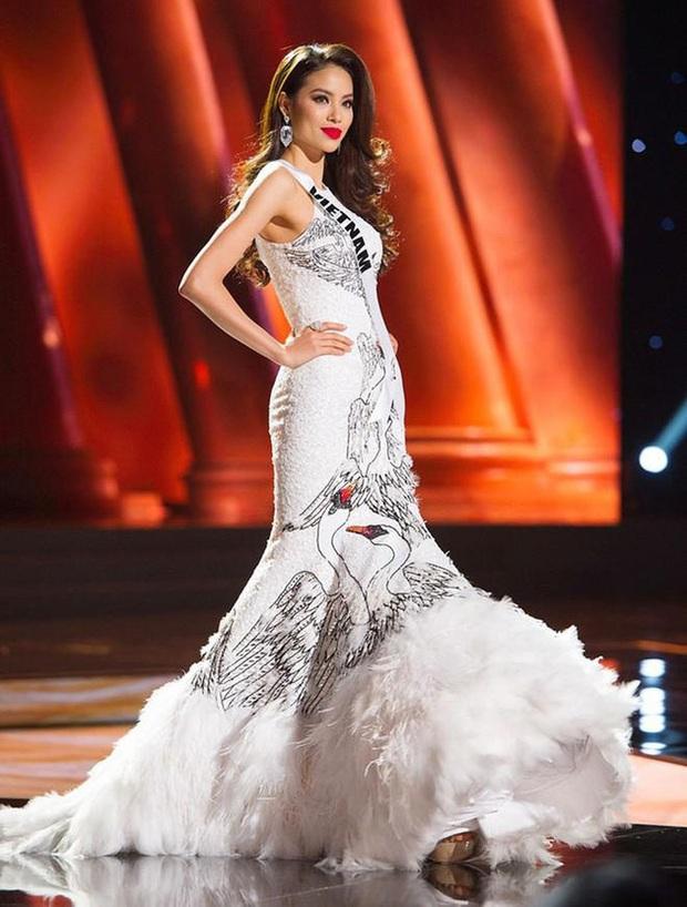 7 chiếc váy đẹp nhất Miss Universe của mỹ nhân Việt: Toàn cực phẩm nhưng ai mới là người nổi nhất? - Ảnh 6.