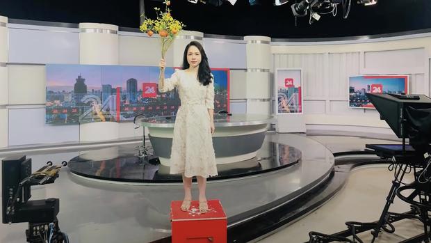 Góc trốn tìm: Mạc Văn Khoa, chị cà khịa của VTV cosplay thân cây Đen Vâu, dân tình cũng đua nhau bắt trend - Ảnh 5.