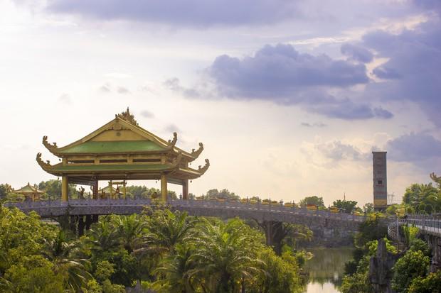Chồng bà Phương Hằng từng bị nói ước mơ ngu xuẩn khi làm khu du lịch Đại Nam nhưng ông đã chứng minh bằng điều đáng kinh ngạc - Ảnh 2.
