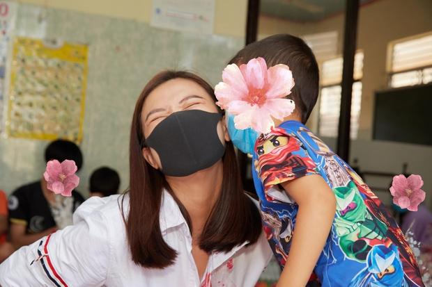 Khánh Vân chưa về nước, Kim Duyên đã tung bộ ảnh nóng hừng hực bắt đầu đường đua đến Miss Universe 2021 - Ảnh 11.