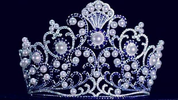 Miss Tourism Thái Lan bị tố đạo nhái vương miện của Đỗ Mỹ Linh, netizen tràn vào fanpage để khủng bố - Ảnh 2.