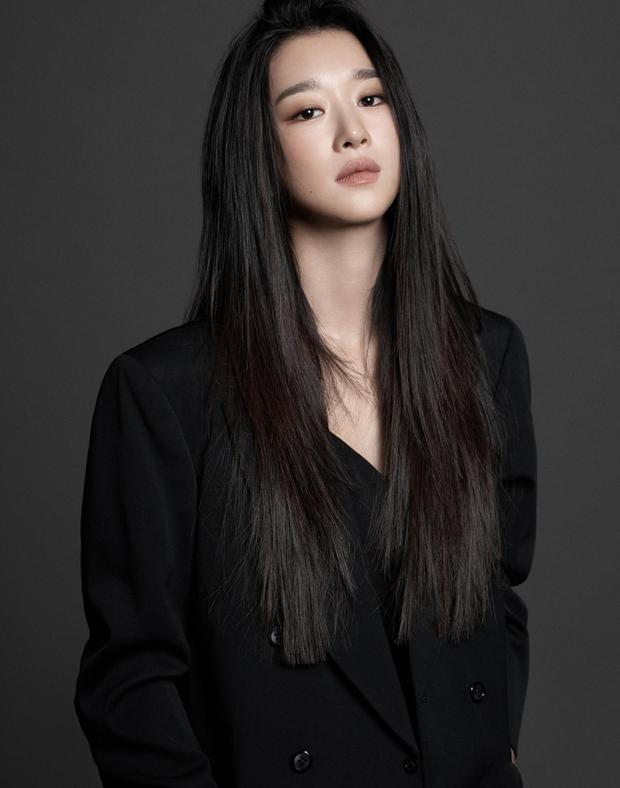 Không phải Han So Hee, mỹ nữ dao kéo Lee Da Hee mới là người thay Seo Ye Ji đóng Island - Ảnh 4.