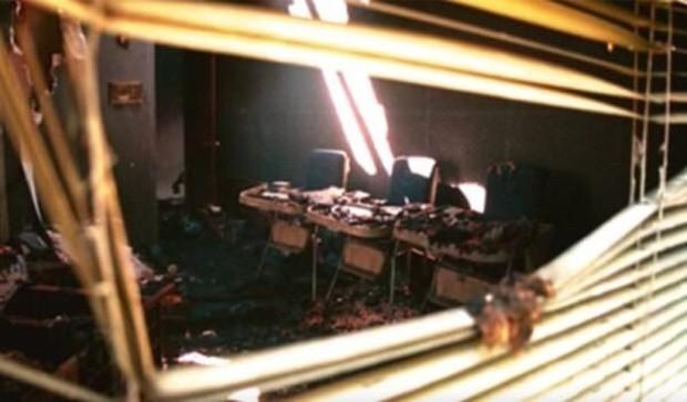 Chị em sinh ba bị bỏng kinh hoàng trong vụ cháy lớn hơn 30 năm trước, diện mạo xinh đẹp và cuộc sống ở hiện tại gây ngỡ ngàng vô cùng - Ảnh 1.