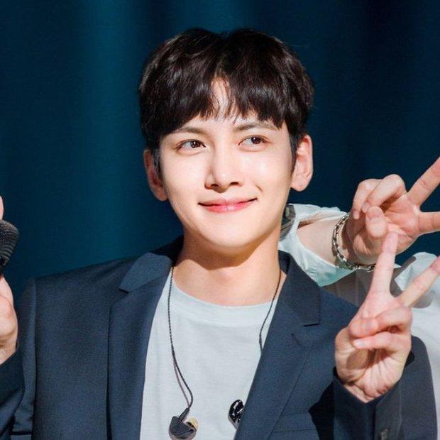 Lộ mức cát-xê cao ngã ngửa của nam thần phim Hàn: Kim Soo Hyun gần gấp 10 lần Song Joong Ki - Ảnh 8.