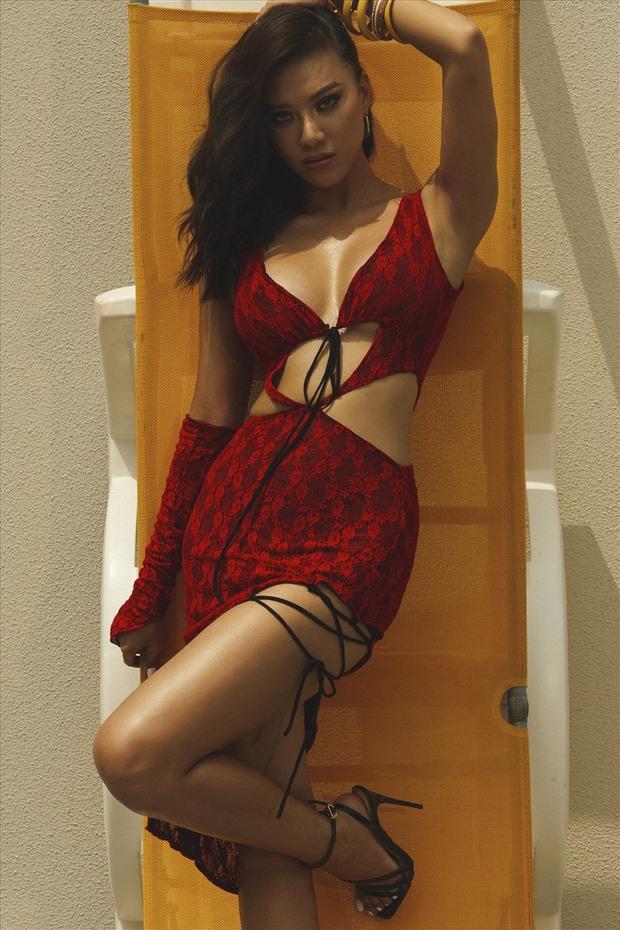 Khánh Vân chưa về nước, Kim Duyên đã tung bộ ảnh nóng hừng hực bắt đầu đường đua đến Miss Universe 2021 - Ảnh 5.