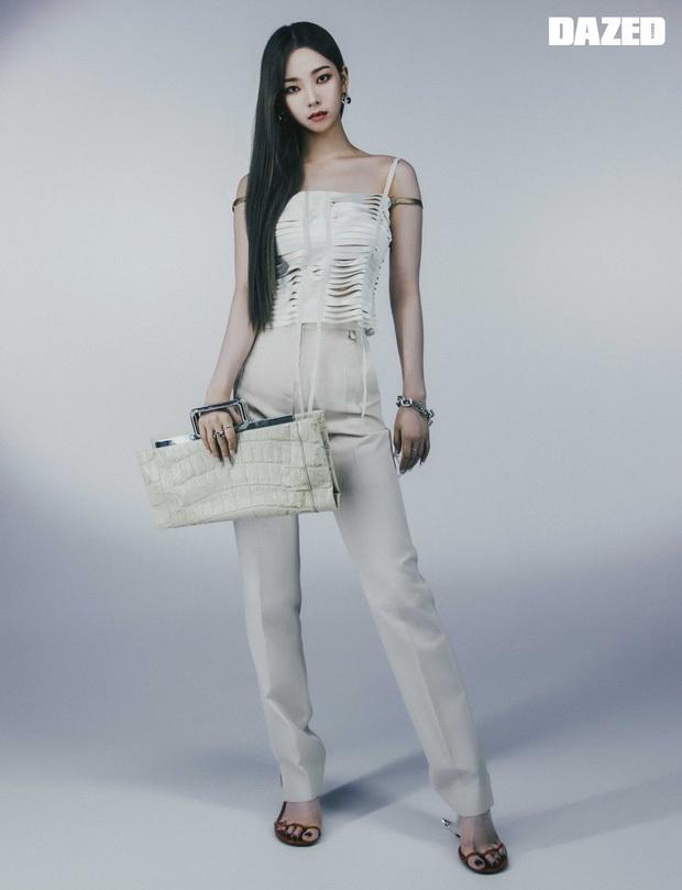 Không tin vào mắt mình khi aespa diện đồ Givenchy: Hình ảnh rối mắt, tổng thể lôm côm, tính high fashion đâu rồi? - Ảnh 7.