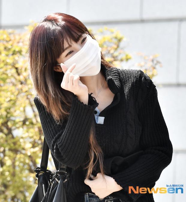 Đối lập dàn mỹ nhân Hàn đi làm: Dara để nguyên đầu bết bê, cựu thành viên SISTAR vòng 1 khủng ngồn ngộn át cả Heize - Ảnh 10.