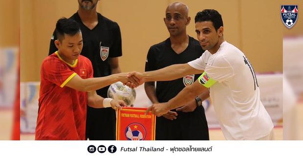 Việt Nam phải bỏ tiền phụ chủ nhà UAE điều chỉnh mặt sân thi đấu play-off Futsal World Cup? - Ảnh 2.