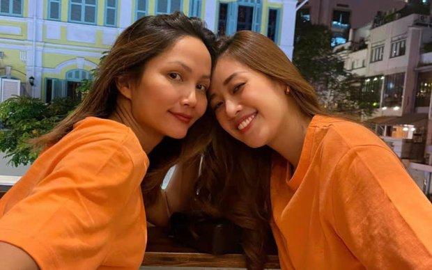 """HHen Niê """"tức nước vỡ bờ"""" livestream vì liên tục bị tố có ý xấu với Khánh Vân: Không ai có thể đạp đổ tình cảm của 2 chị em - Ảnh 3."""